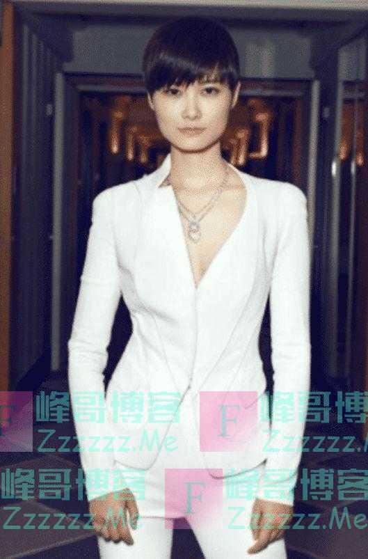 """有种""""整容""""叫做李宇春脱离假小子,当她穿上13cm短裙后,A炸了"""