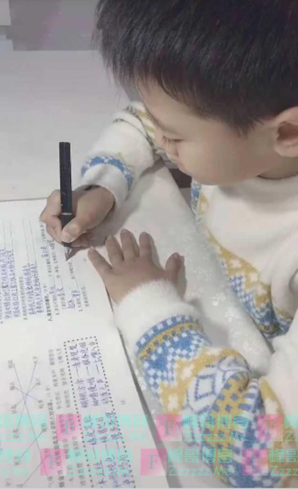 9岁男孩写字被误认为印刷体,老师不忍打叉,网友:王羲之再世