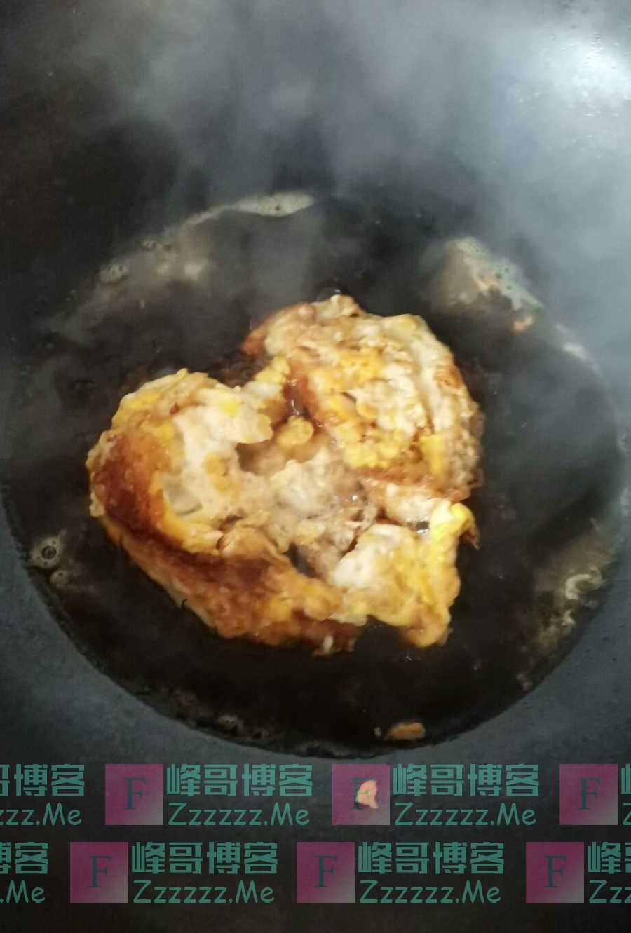 女朋友不会做饭是啥体验?煎蛋蒸米不算啥,看到最后:差点吐出来