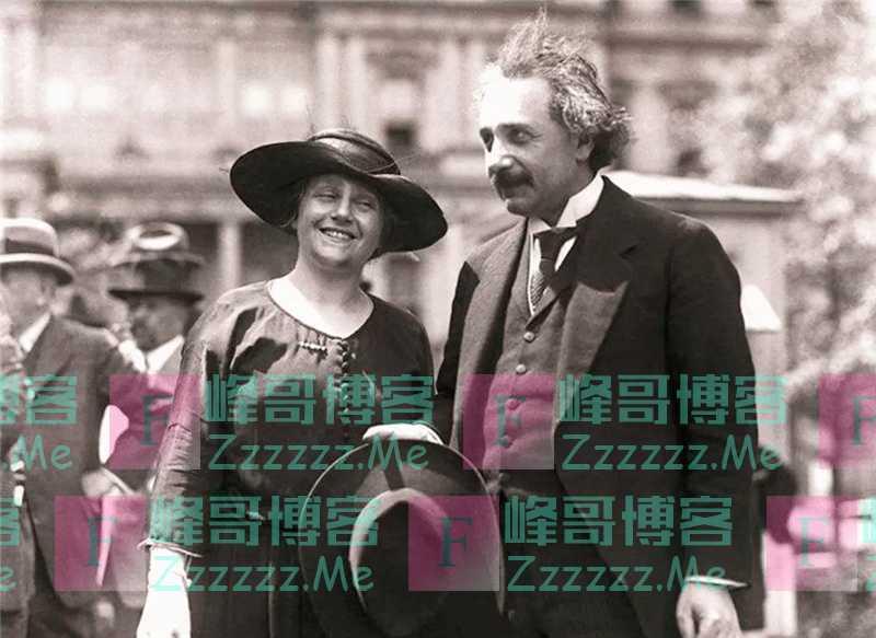 """爱因斯坦去世前为何毁掉全部手稿?学者:可能与""""彩虹计划""""有关"""