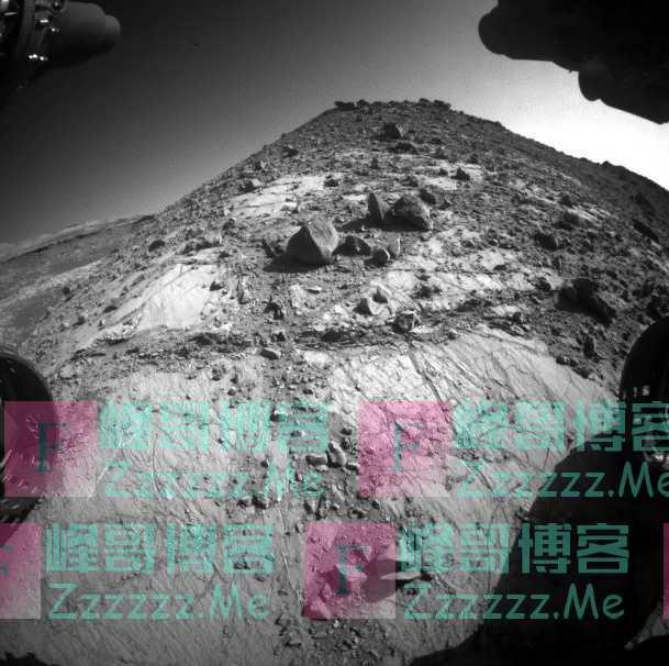 好奇号即将抵达夏普山顶峰,从传回的照片看,其位置不是很理想