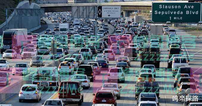 美国确诊人数一天破万,卫星拍下这一幕,大量人逃离大城市!