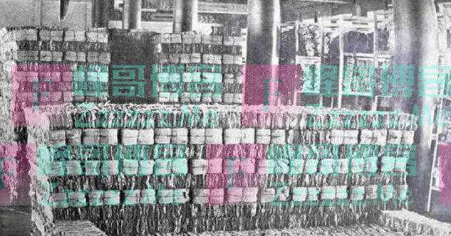 """紫禁城15万斤""""废纸"""",曾被以4000大洋卖出,现今花百亿也难追回"""