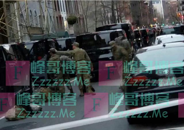 美军携带重型武器进驻纽约,开始建立防线,民众不听指令直接击毙