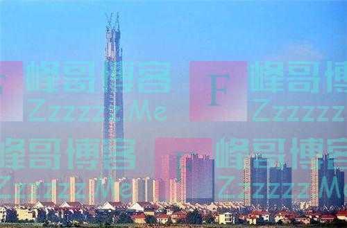 12年前,他花700亿建中国第一高楼,如今高楼却变烂尾楼无人问津
