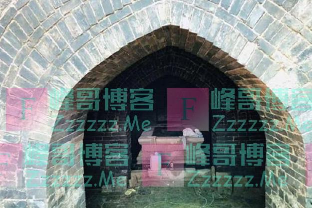 南京挖出明朝公主墓,墓中竟还有活人居住,还睡在公主棺材上