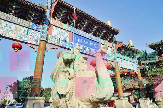 开封有一条千年古街,现在是中国最大的仿宋建筑街,网友:太假了