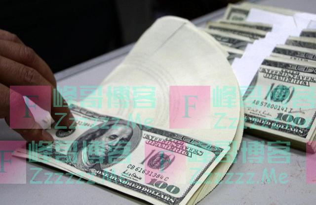 美国拼命印钞,为什么人民币兑美元反而贬值了?