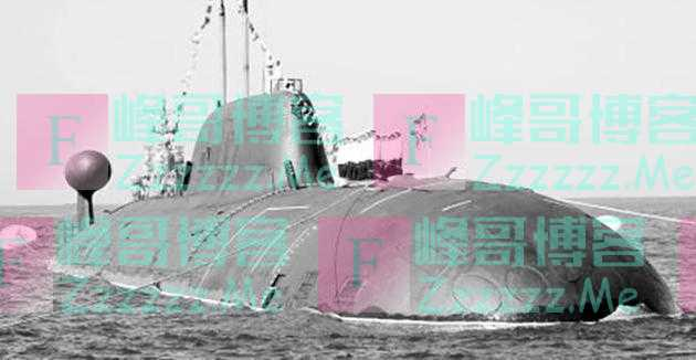17年山东渔民发现一潜艇,打开舱盖一看,70名海军勇士早已长眠