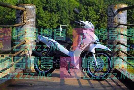 雅马哈代步弯梁车,6.5kW堪比125级踏板,百公里油耗1.6L