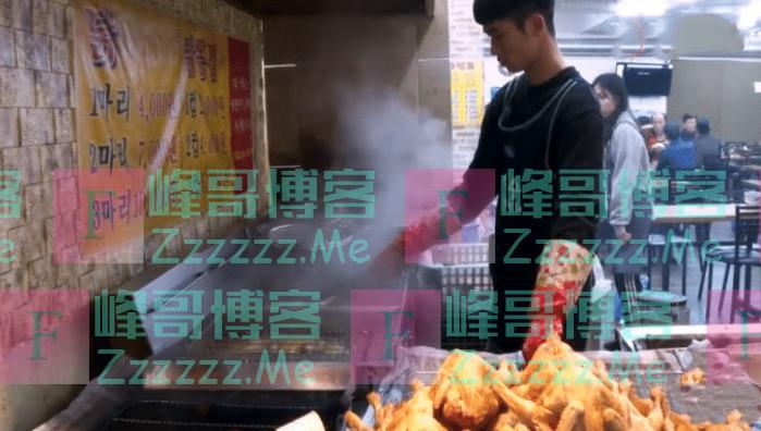 """年轻小伙甩卖""""炸鸡"""",15元一只,顾客排长队,邻摊:谁吃谁傻!"""