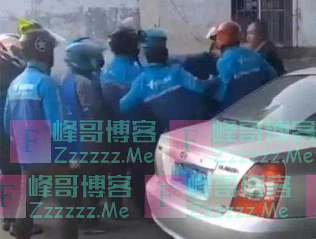 小姑娘遭20名外卖员围堵,路人出头被群殴住院,小哥有多大委屈?
