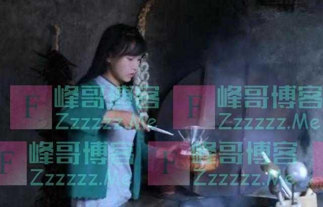 """李子柒自制5个""""烤面包"""",端上桌奶奶却出卖她,网友:别装了"""