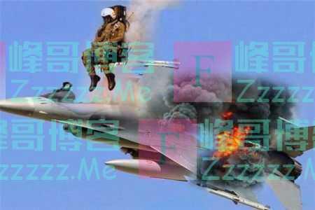 飞行员遇险直接跳伞,20吨战机坠落砸向学校,近百名学生当场丧生