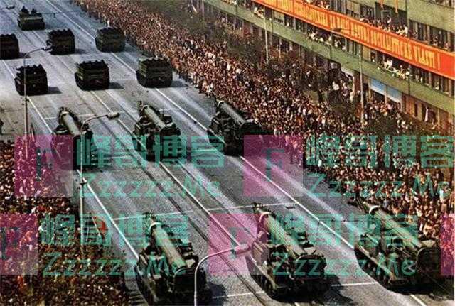 苏联解体,400万苏军为何无法挽救国家?这些原因很关键