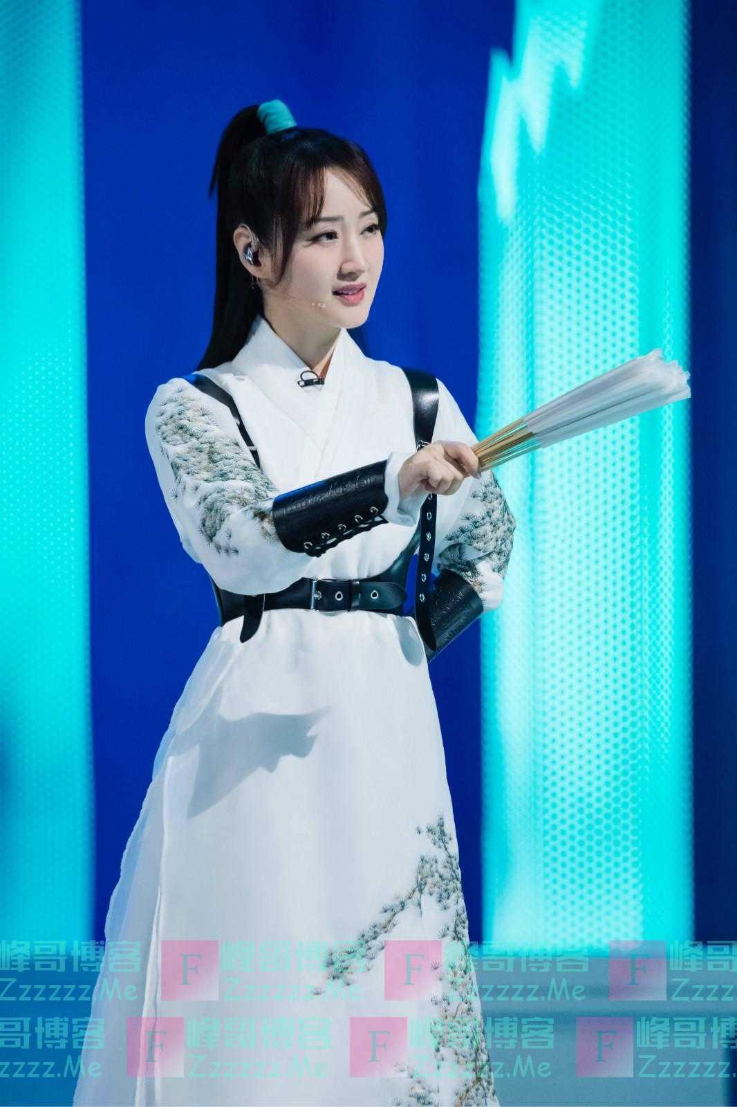 """感觉自己在上""""姐姐艺术学院"""",杨钰莹:""""女团""""对我来说是一种鼓舞"""