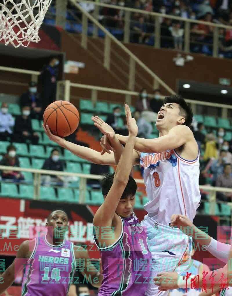 CBA季后赛1/4决赛:山东队105:101淘汰新疆队 闯入4强