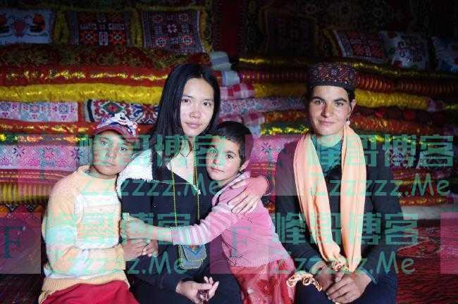 为粉碎西方编造的新疆谣言,她干了一件了不起的事