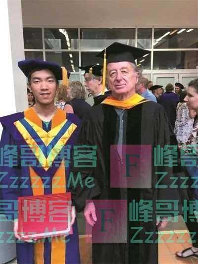 张文宏读小学的那条街开挂了!这一家出了5博士1硕士