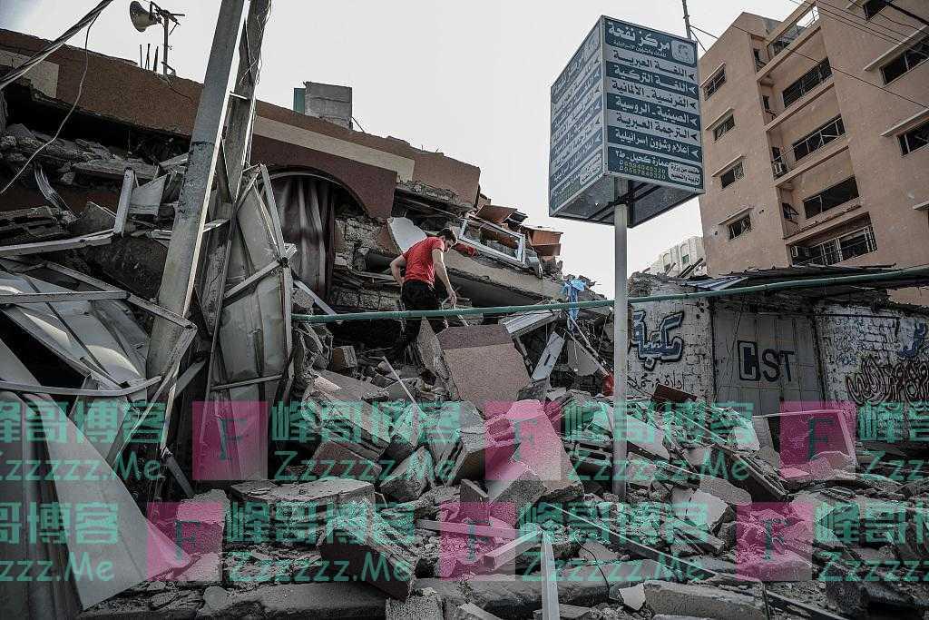 巴以冲突致近4万名巴勒斯坦人申请避难 加沙街道满目疮痍