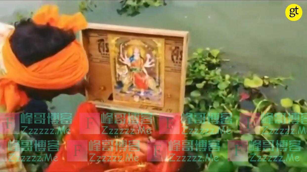 印度21天大女婴被装进木盒放在恒河上漂流 将其救起的船夫被奖励房子