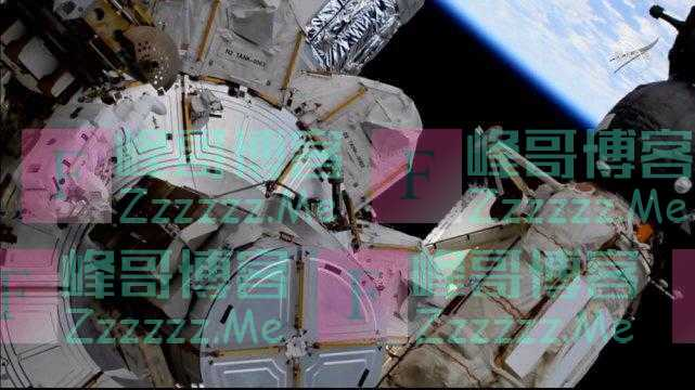 惊险!NASA宇航员在国际空间站外太空行走,宇航服突然出故障