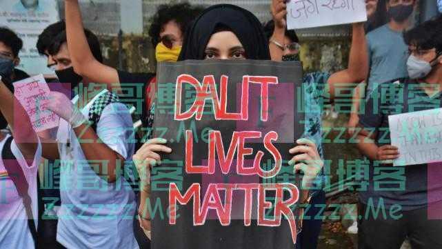 """美媒:出身""""贱民""""学者在印度阻碍重重,种姓制就像美国种族主义"""