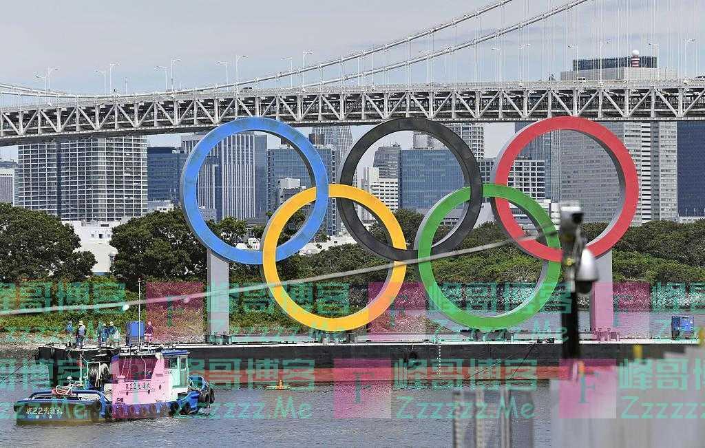 东京奥运闭幕三天后 五环标志开始被拆除