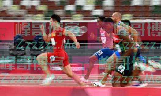 东京奥运会闭幕式上这一细节曝光:为扛好国旗,苏炳添不敢带手机