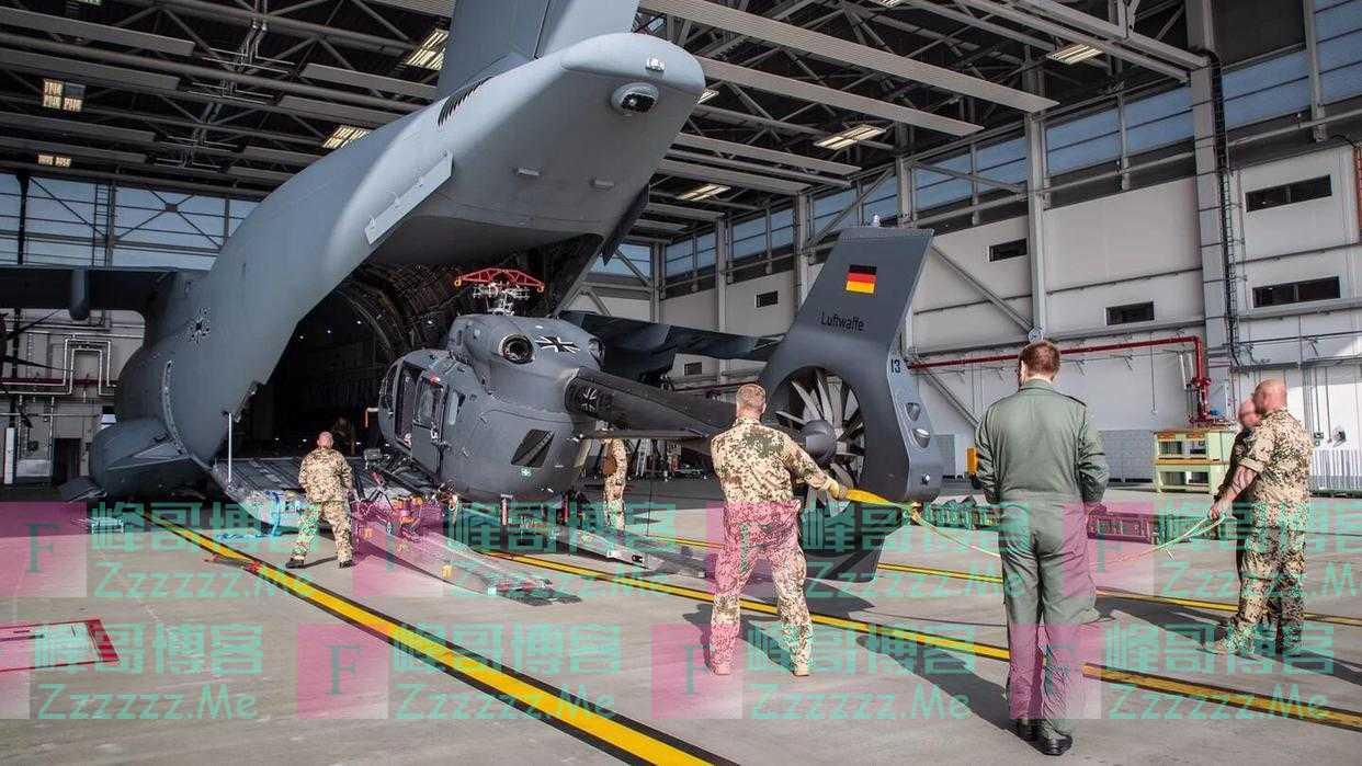 德国向喀布尔空运两架特种作战直升机,搭载特种兵到市区接人