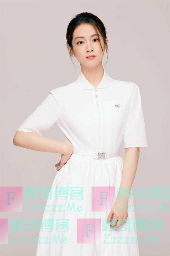 陈昊宇白色连衣裙写真曝光 轻熟知性质感十足