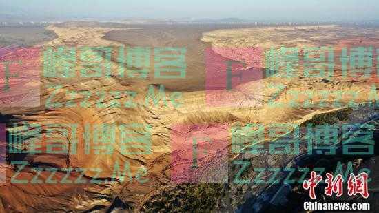 """俯瞰天山红河谷""""大风耳"""""""