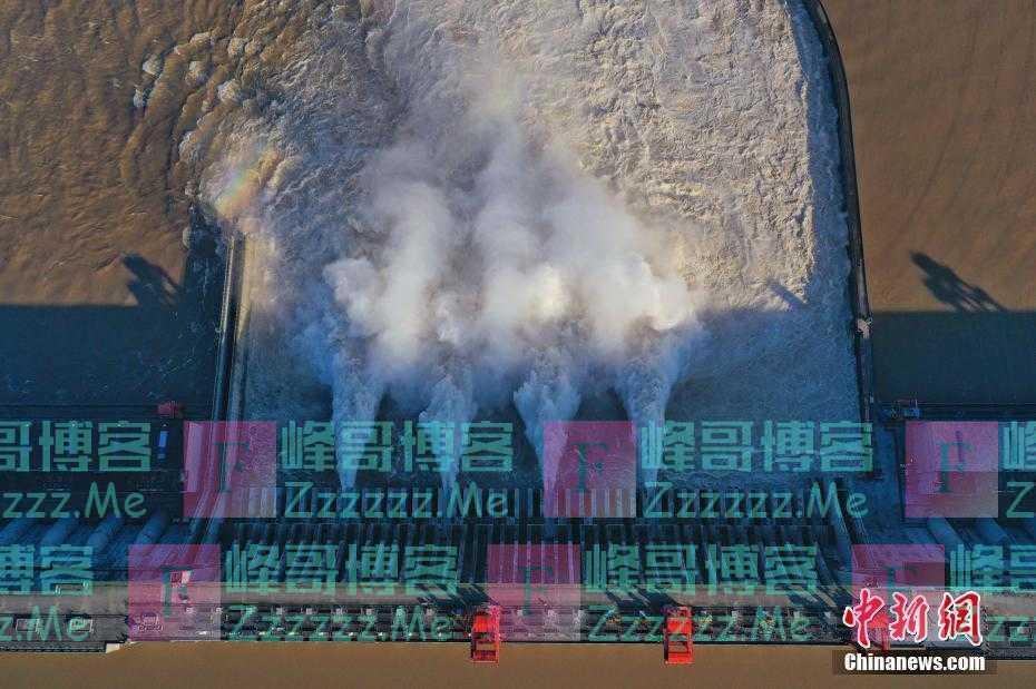 三峡水库加大下泄流量应对新一轮涨水