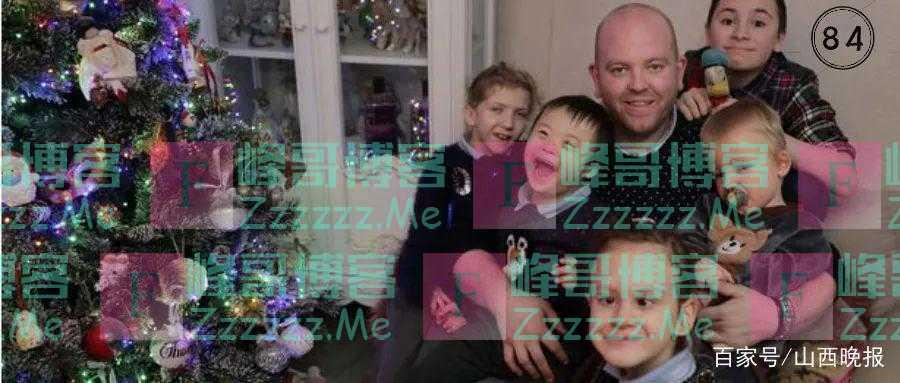37岁小伙不恋爱不结婚,却收养了6个重度残疾的孩子