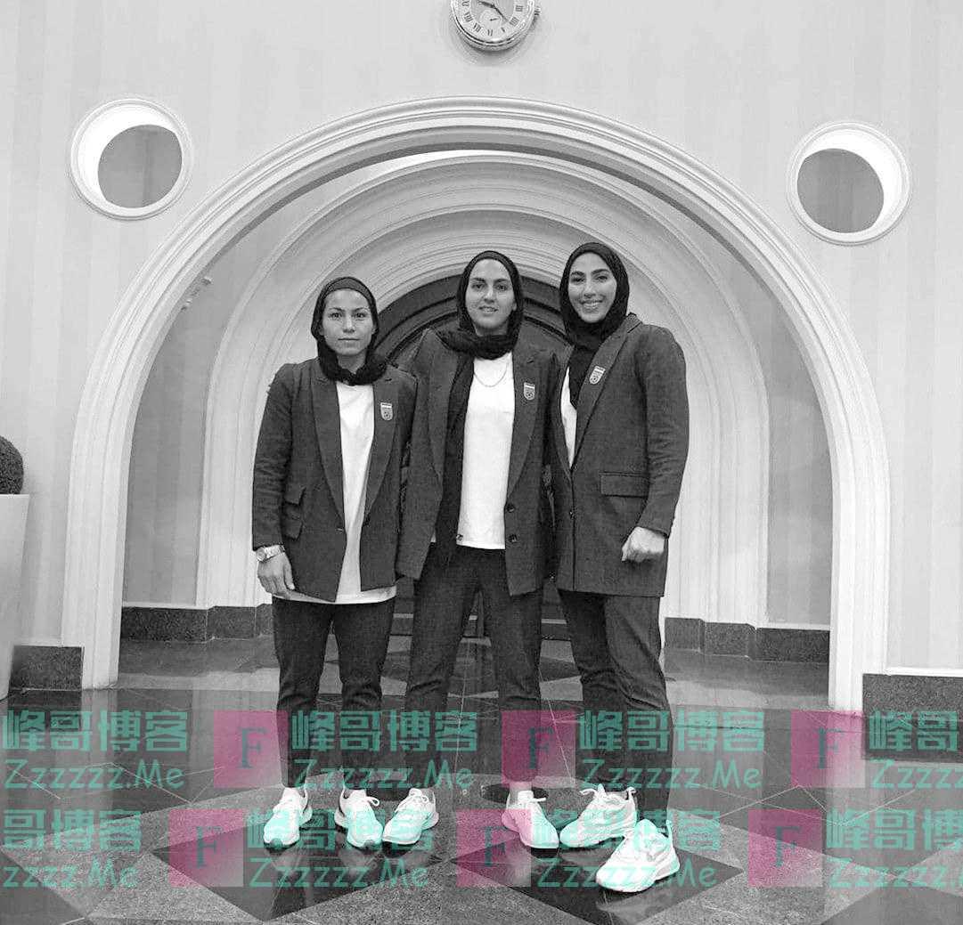 """西装式上衣加裤装,伊朗伊斯兰革命卫队下属媒体批女足新队服""""男子气、缺乏品味"""""""