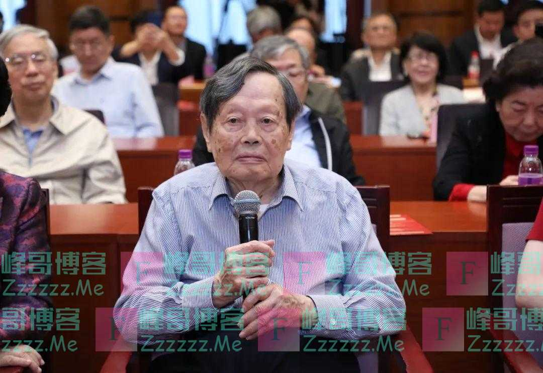 杨振宁百岁生日讲话:没有外国人参加中国原子弹制造