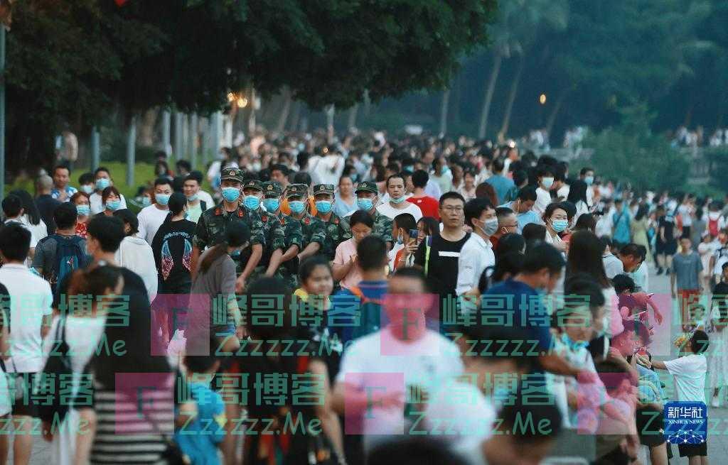 武警官兵坚守战位全力维护国庆假期社会安全稳定